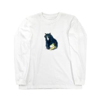 少し大きな猫と裸足の女の子3 Long sleeve T-shirts