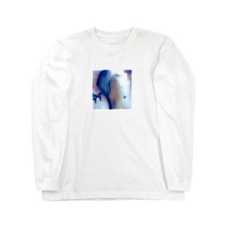 ..... Long sleeve T-shirts