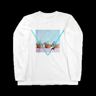 保護猫活動家すみパンさん家への支援グッズ!のNo.19 カップケーキ バットにゃん♪ Long sleeve T-shirts