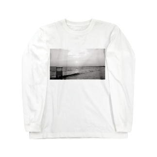 Beach Black and White Long sleeve T-shirts
