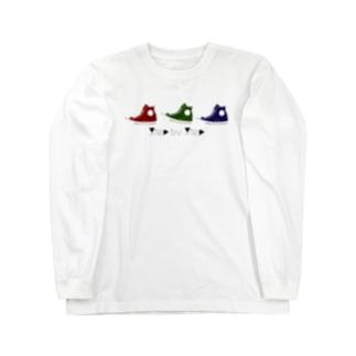 3色のスニーカー。 Long sleeve T-shirts