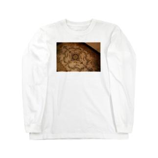 下にある Long sleeve T-shirts