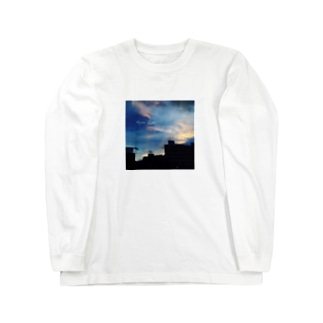 MOON RIVER Long sleeve T-shirts