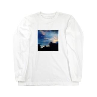MOON RIVER Long sleeve T-shirts