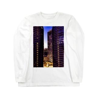高層ビル群、夜景 Long sleeve T-shirts