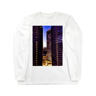 ANGOの高層ビル群、夜景 Long sleeve T-shirts