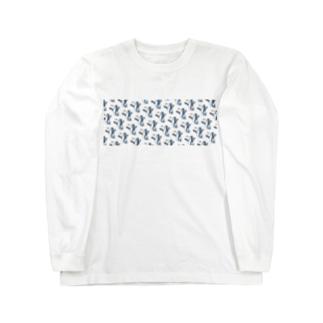 朝食をこしらえるサメの群れ Long sleeve T-shirts