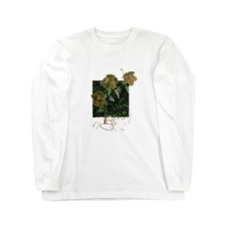 christmas rose moth Long sleeve T-shirts