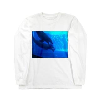 イルカはサッカーに夢中 Long sleeve T-shirts