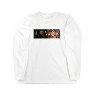 Nostalgic rose. Long sleeve T-shirts