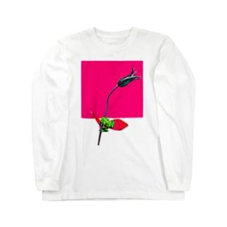 ヤドクガエルと花 Long sleeve T-shirts