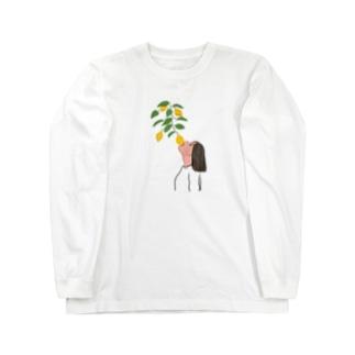 檸檬をかじる女 Long sleeve T-shirts