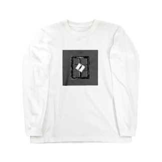 Monochrome window Long sleeve T-shirts