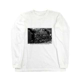 上越線 水上駅でスタンバイするSL D51498 (モノクロフォト) Long sleeve T-shirts