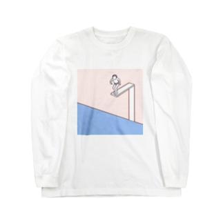飛び込もうとするひと Long sleeve T-shirts