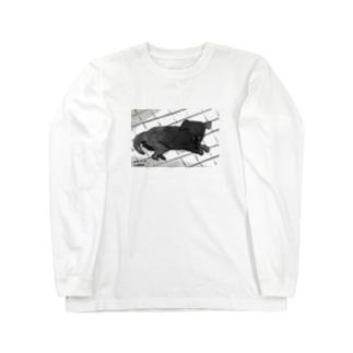 月明かりで目が合う Long sleeve T-shirts