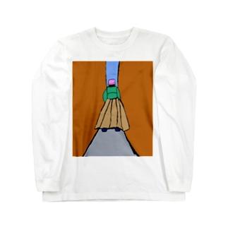 JUNSEN(純仙)路地を歩く女性 Long sleeve T-shirts
