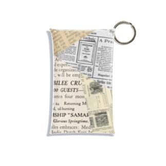 古い外国語のスクラップ。 A Mini Clear Multipurpose Case