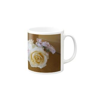 フラワーアレンジメントNo.2 Mugs