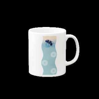 abelestのクロオオアリの女王 / 初めての卵 マグカップ