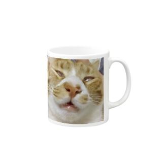 白目の猫 Mugs