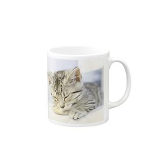 おひるね子猫(マンチカン) マグカップ
