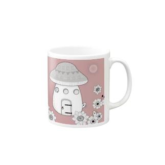 月下 Mugs