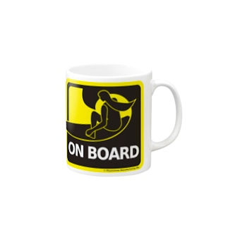 サーフボードに乗ってます Mugs