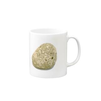 そこらへんの石 Mugs