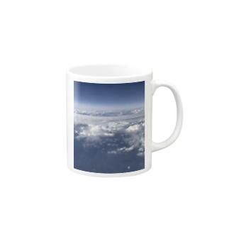 上の空 Mugs