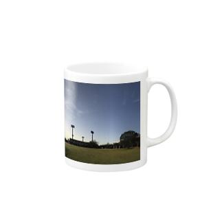 公園の一本木 Mugs
