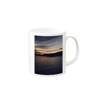 夕間飛行 Mugs