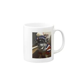 原宿のお洒落なショップで買った奴を強引に着せられたさん太郎のコップ Mugs