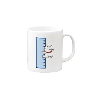 直線定規にしがみつくネコ Mugs