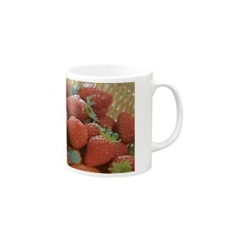 花びらいちごB Mugs