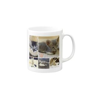 ねこぱんちファミリーマグカップ(大人はお休み) Mugs