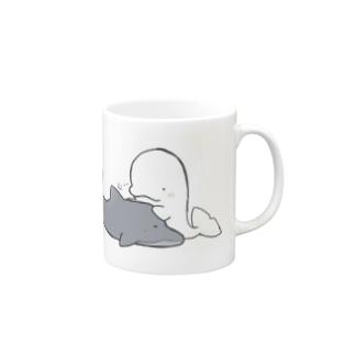 イルカとシロイルカ Mugs