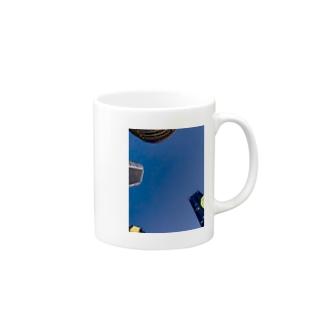 追い込まれる Mugs