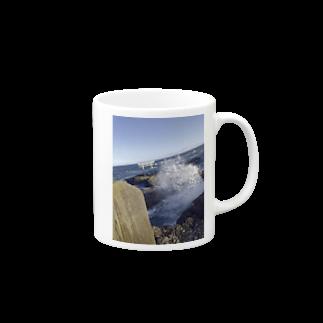 【表源者:ホリイサトシ】のARANAMI~大海~ Mugsの取っ手の右面
