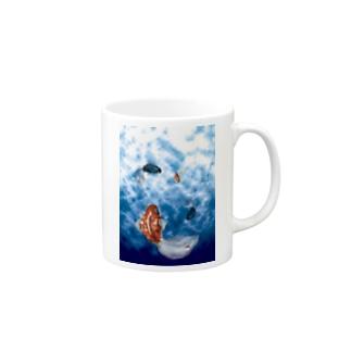 涼しい金魚の水槽 Mugs