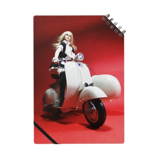 ヨーロッパ風ドール写真:サイドカーに乗るブロンドメイド Doll picture: A blonde maid rides on a sidecar  ノート