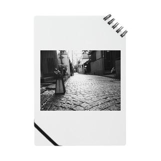 神楽坂の路地裏 Notes