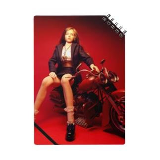 バイクに腰掛ける栗色の髪の美少女ドール Brunet doll with a motorcycle ノート