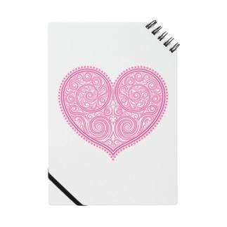 ゴージャスなアクセサリーのようなピンクのハートマーク Notes