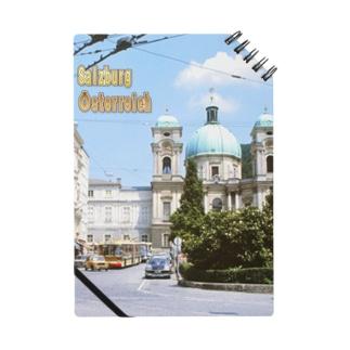 オーストリア:ザルツブルクの風景写真 Austria: Church & trolleybus Notes
