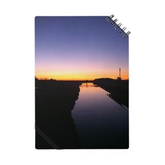 朝焼け  Morning River Notes