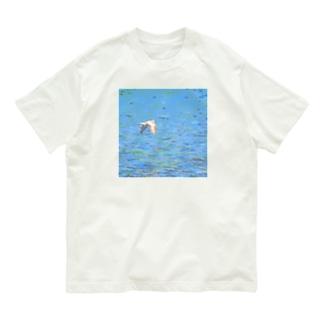 イカルチドリの飛ぶ川面 Organic Cotton T-shirts