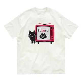 黒猫のテレビに出るにゃー*L配置 Organic Cotton T-Shirt