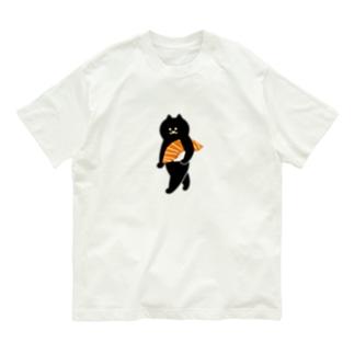 【中】サーモンの握り寿司をかっこよく持ち運ぶ猫 Organic Cotton T-shirts
