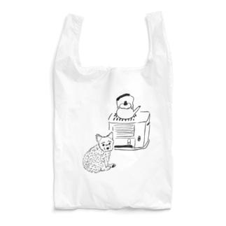 ストーブで暖まる犬 Reusable Bag